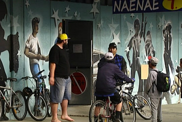 John Campbell and Peter Dunne took a visit to Naenae T