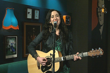For the Paul Henry Show tonight, Bell performs live in the studio her new track 'Song of My Summer'